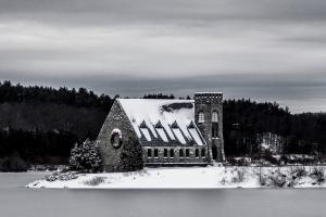 old-stonechurch-wintersfp